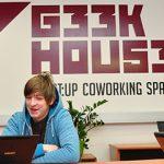 """Start:up Geek House – dostopni """"coworking"""" prostori za globalno usmerjene startup podjetnike in """"freelancerje"""" s kreativno klimo in """"lean"""" filozofijo"""